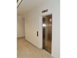 Lift Montague Street